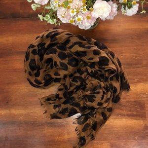 Cheetah print scarf with fringe